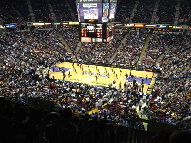 Full house to see a meaningless game in Sac-town.